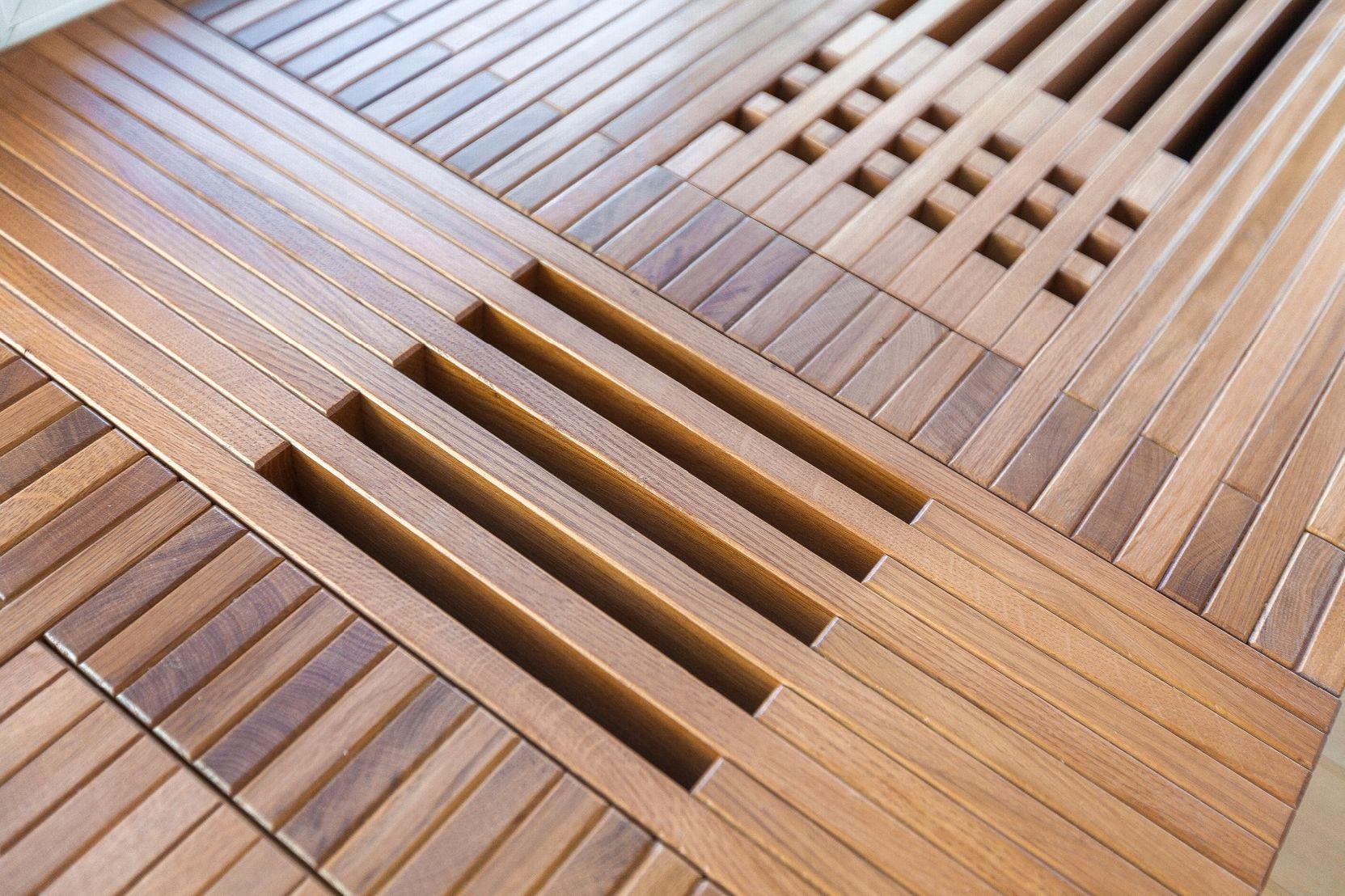 Проект - Дом в Ялте с деревянной лестницей