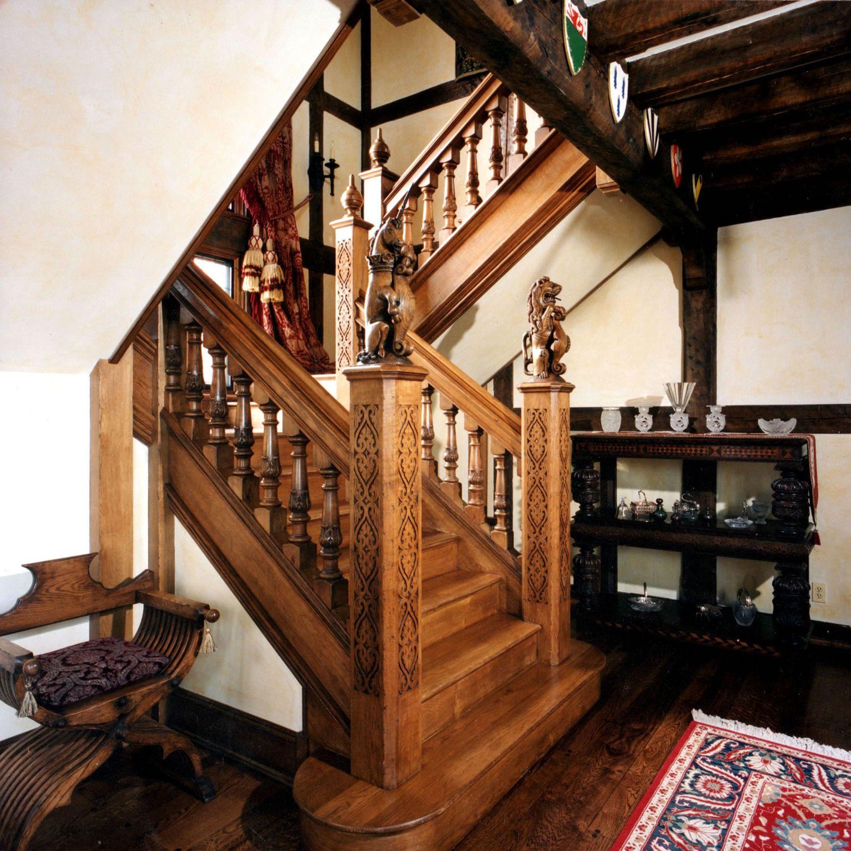 Дубовые лестницы в Севастополе и в Ялте